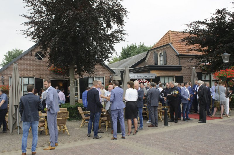 Happy Hour juni 2018, barbecue bij zalencentrum Berentsen